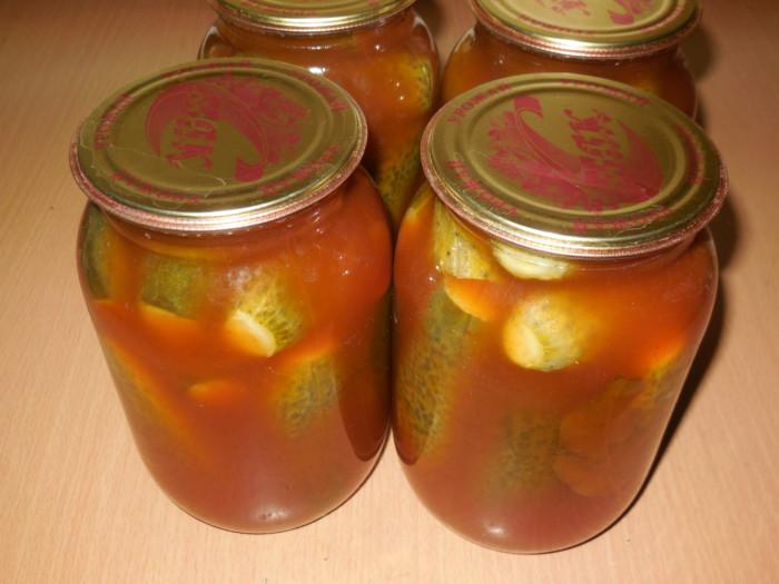 Огурцы маринованные с кетчупом чили на зиму в литровых банках